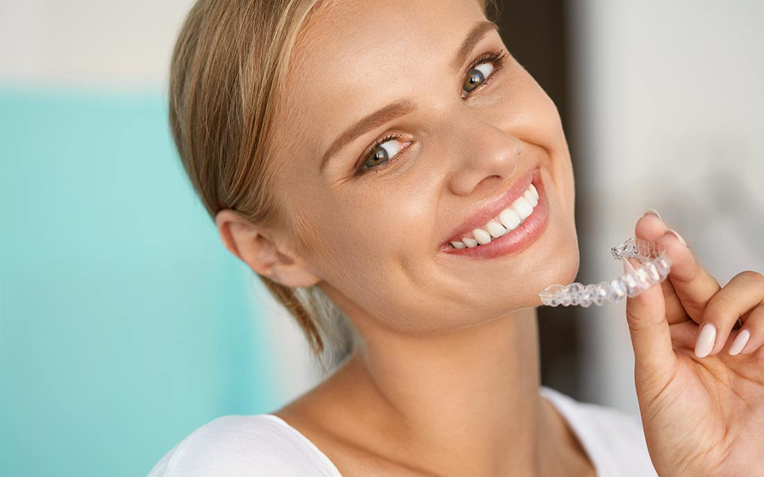 Orthodontic Treatment without braces (Invisalign)